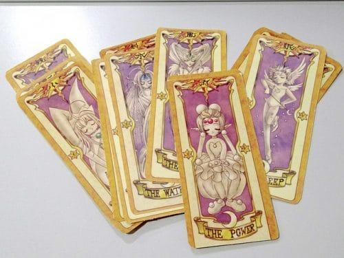 cartas de tarotista color rosa pastel